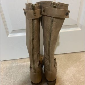 New Rampage brown boots size 6.5